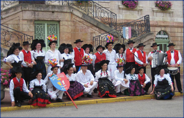 The group at the confederal festival of Tournus
